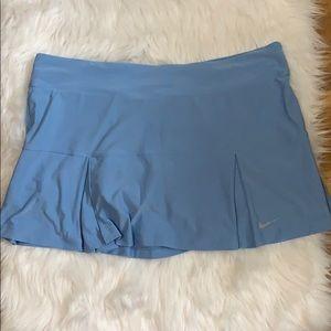 Nike woman blue skort/size XL